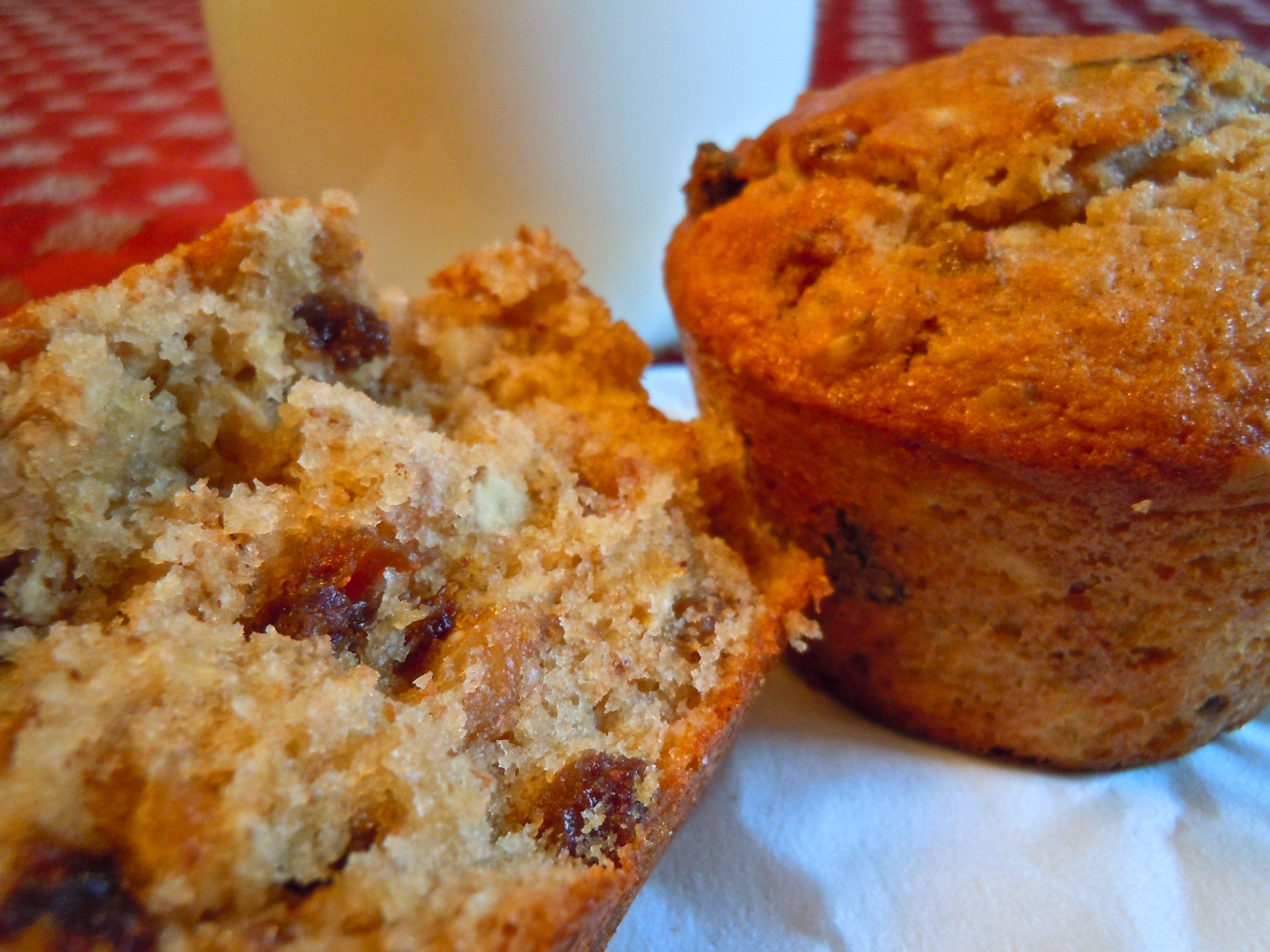 Maple Oatmeal Muffins with Raisins, Dates, and Walnuts ...