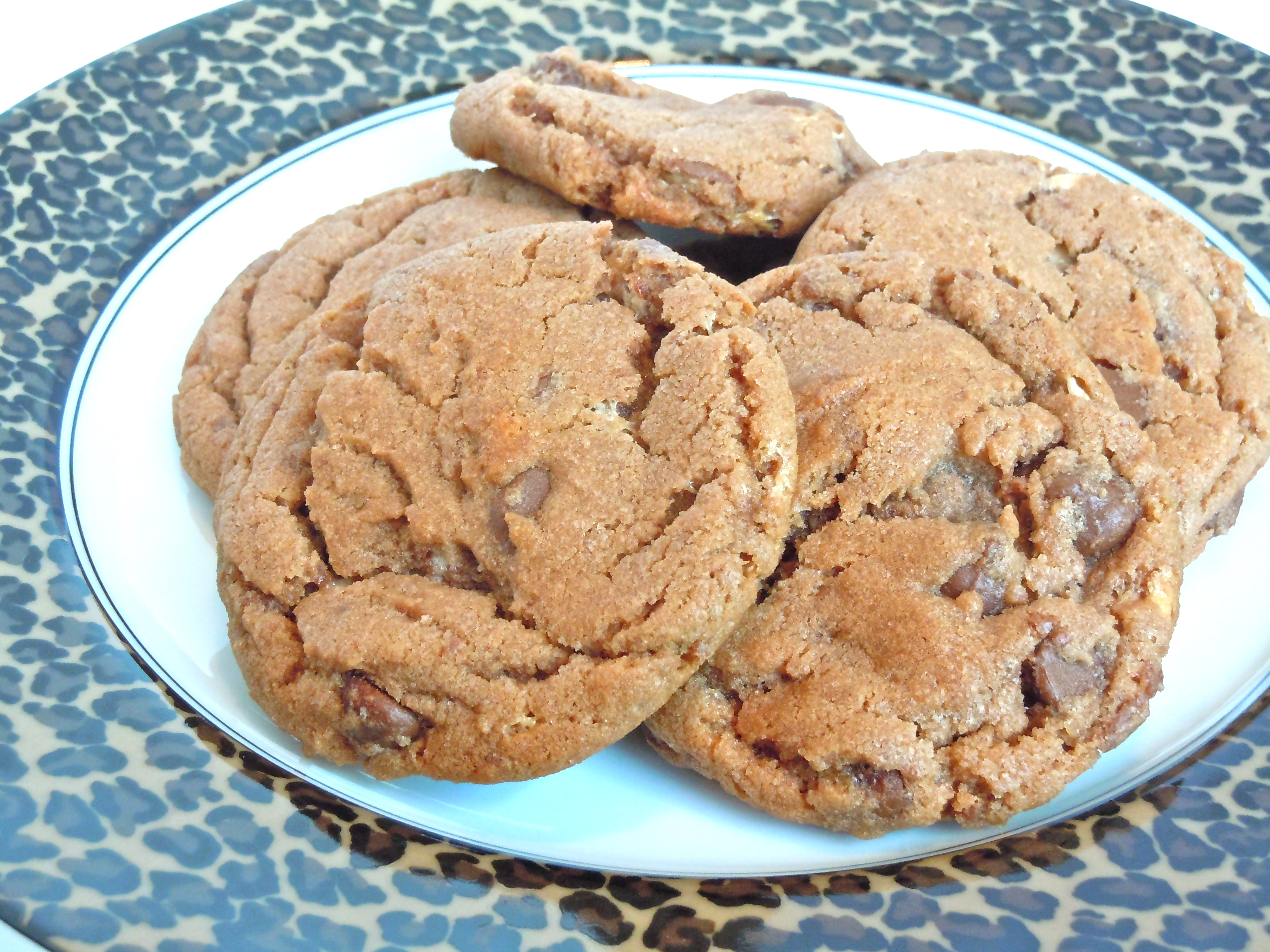 Malted Milk Ball Chocolate Chip Cookies | CookiesCakesPiesOhMy