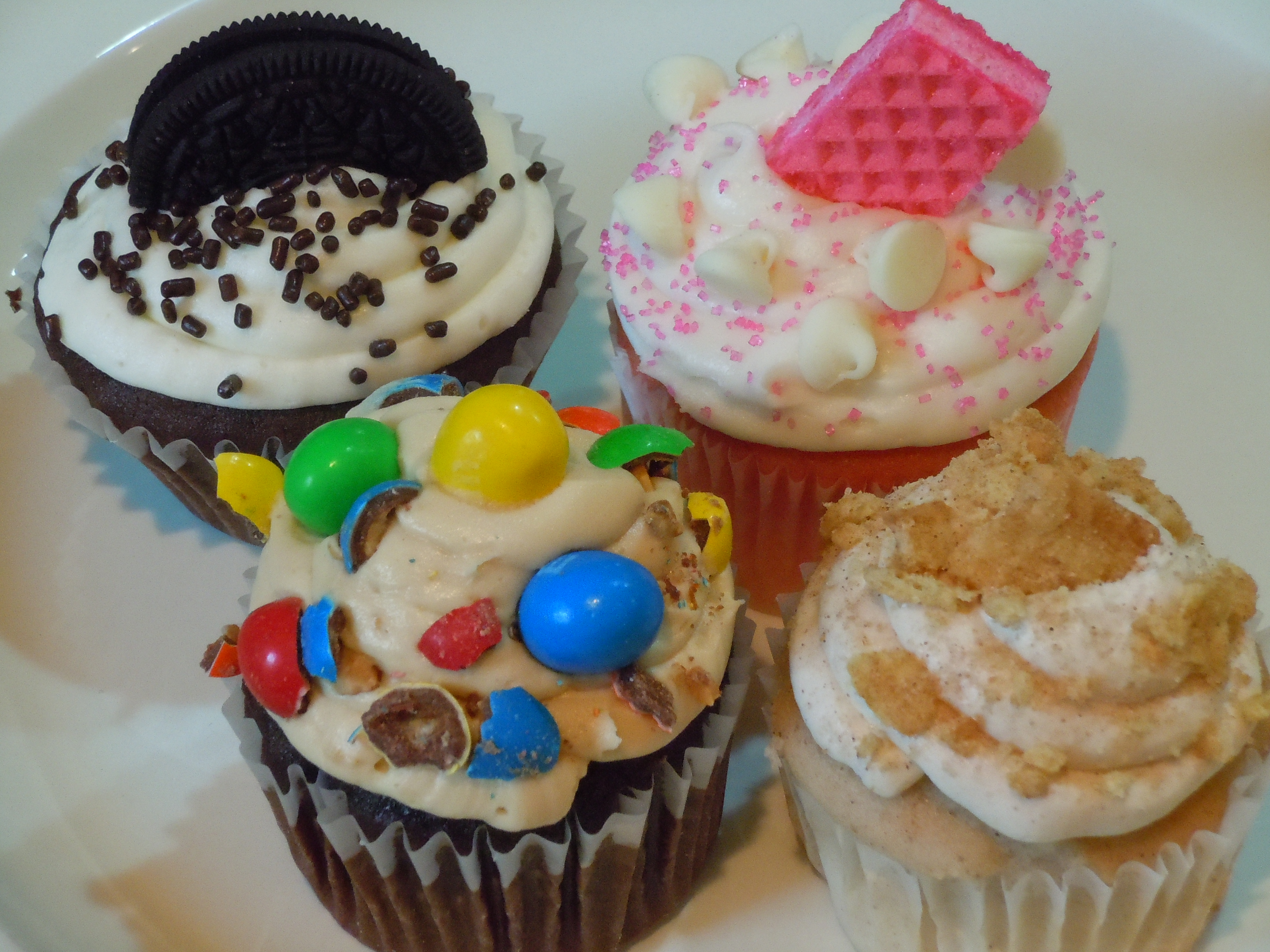 cupcakes for father s day cookiescakespiesohmy. Black Bedroom Furniture Sets. Home Design Ideas