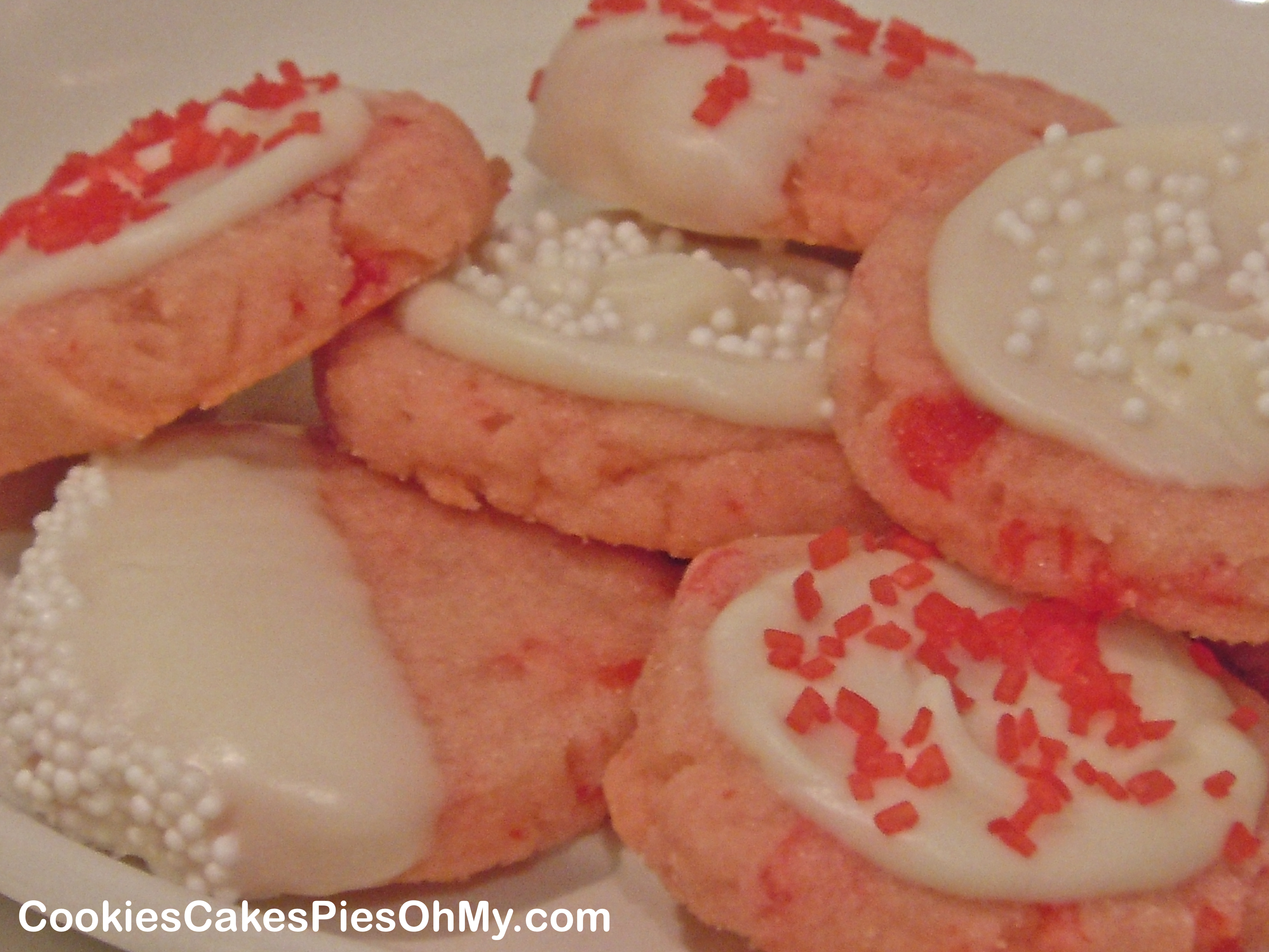 White Chocolate Cherry Shortbread Cookies | CookiesCakesPiesOhMy