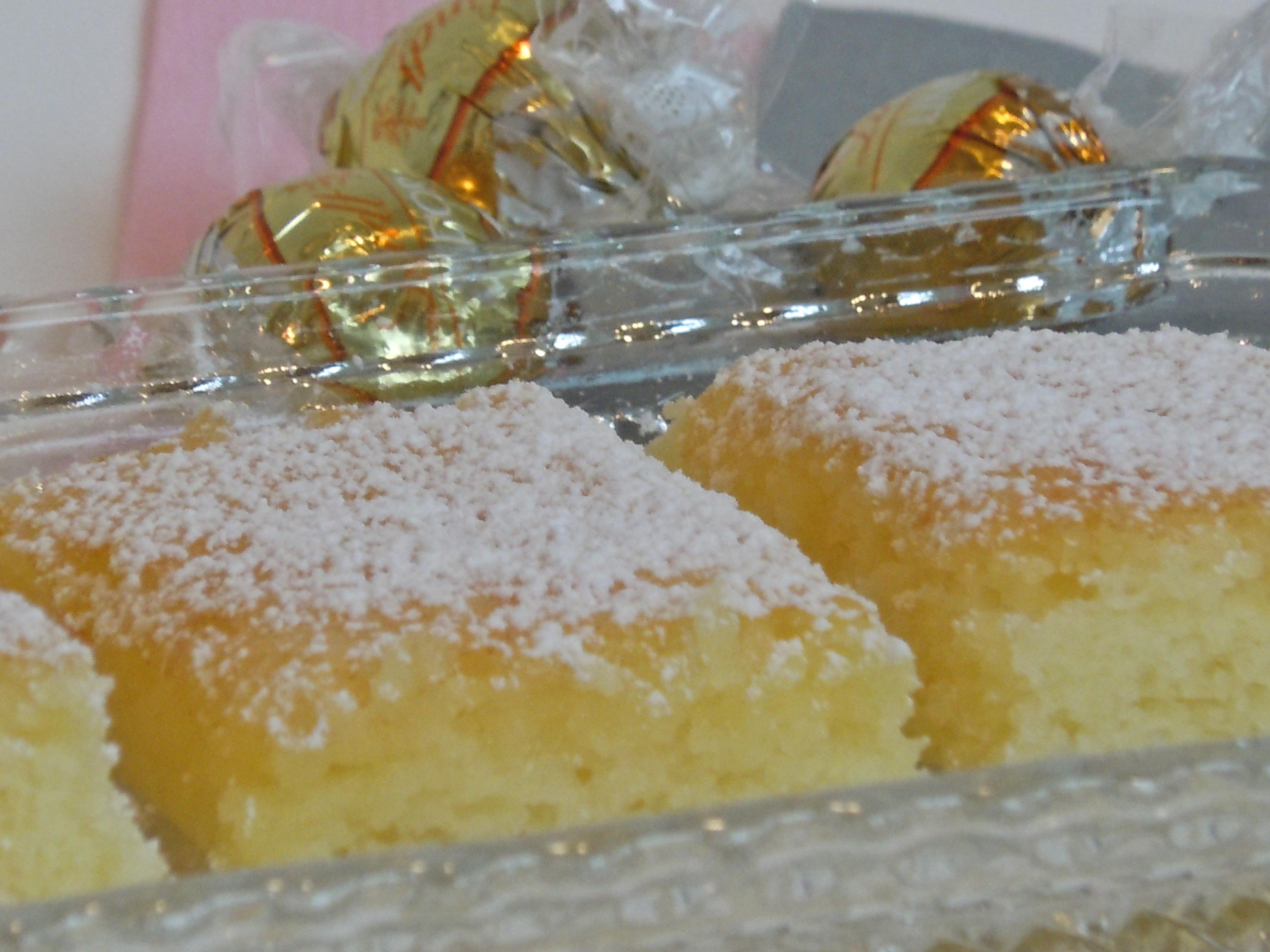 Quick & Easy Lemon Bars | CookiesCakesPiesOhMy