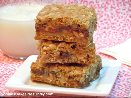 Peanut Butter Chocolate Chip Oat Bars | CookiesCakesPiesOhMy