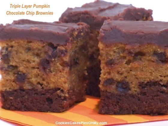 Triple Layer Pumpkin Chocolate Chip Brownies | CookiesCakesPiesOhMy