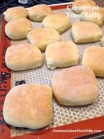 Cornbread Yeast Rolls 2